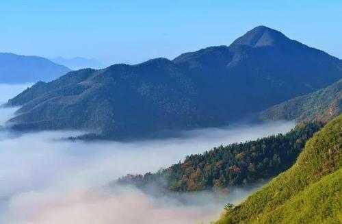 十大中南地区最美山峰排行榜,快收拾行囊去看看吧
