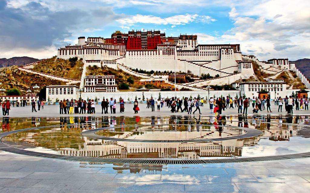 西藏旅游景点排名_西藏必去的十大景点推荐