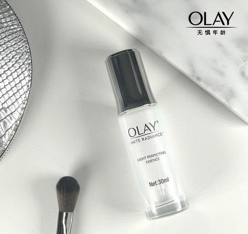 OLAY光感小白瓶的使用方法
