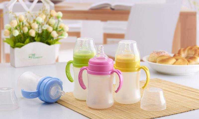 婴儿应该用什么奶瓶?玻璃奶瓶好还是塑料奶瓶好