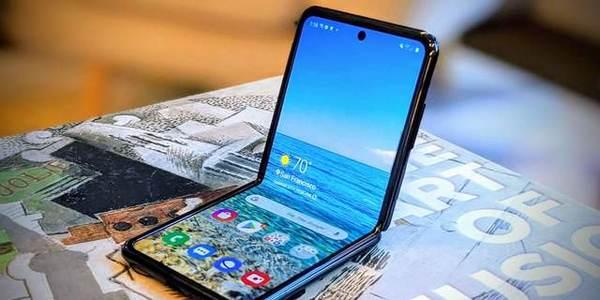 三星折叠屏手机好用吗_三星折叠屏手机测评
