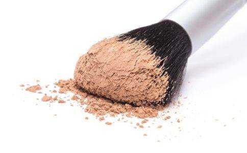 混油皮用什么定妆比较好?散粉还是粉饼