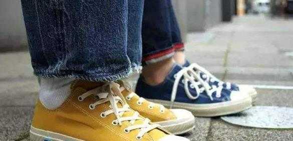 飞跃和回力的帆布鞋哪个好穿_帆布鞋是回力的好还是飞跃的好