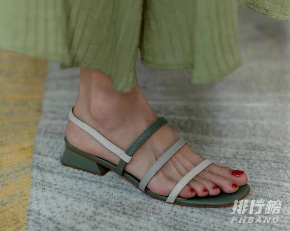2020夏日凉鞋女款推荐_夏日百搭凉鞋