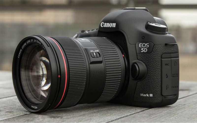 新手摄影买什么相机好_2020新手相机推荐