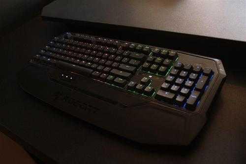 玩穿越火线用什么轴的键盘好_玩穿越火线用哪款机械键盘比较好