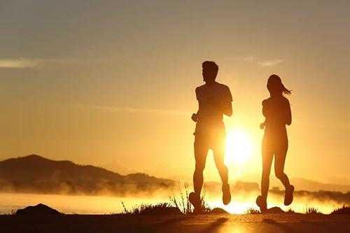 跑步的最佳时间_跑步的好处及最佳时间