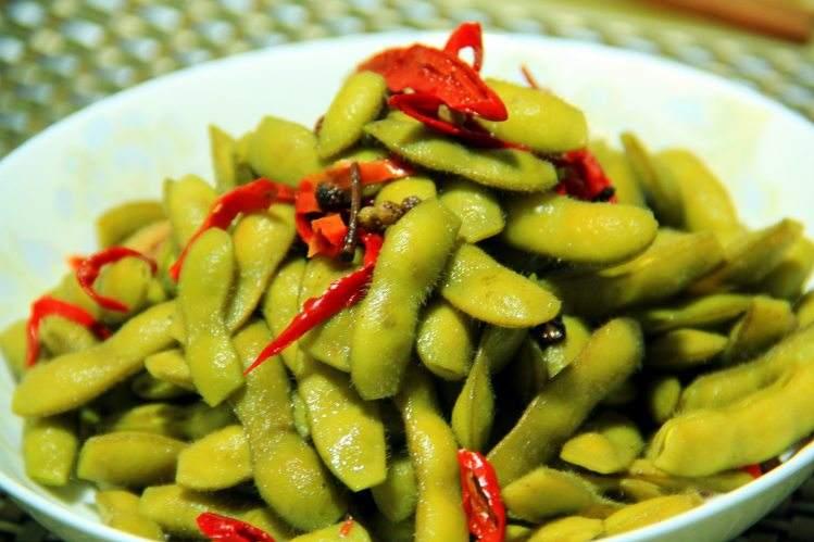 毛豆怎么做好吃又简单_麻辣五香毛豆的做法