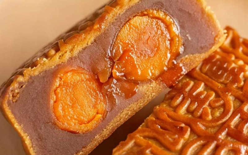 双黄白莲蓉月饼的做法和步骤_双黄白莲蓉月饼制作窍门