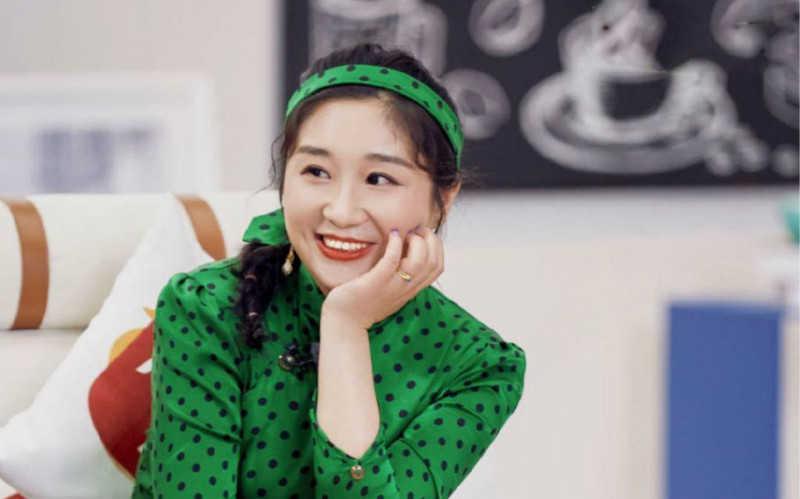 傅首尔绿色旗袍同款_微胖女生穿什么样的旗袍