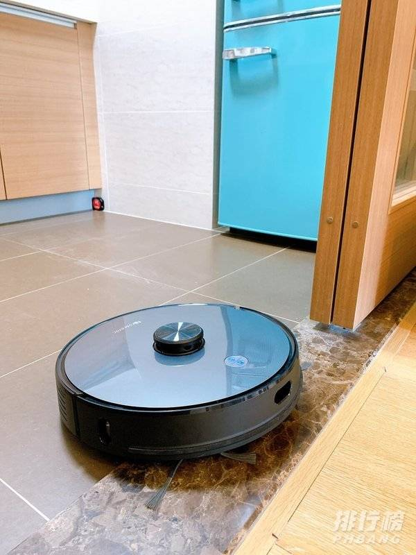 扫地机器人有用吗_扫地机器人到底实不实用