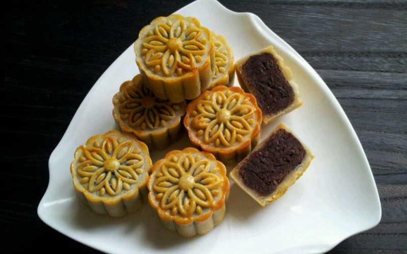 红豆月饼的做法家常窍门_红豆沙月饼馅料的做法窍门