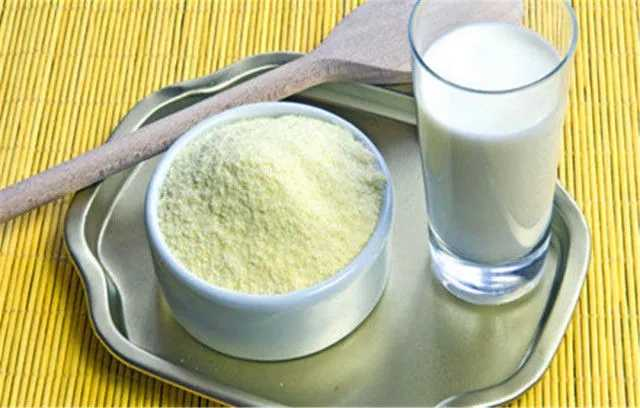 奶粉和牛奶哪个营养好_奶粉和纯牛奶哪个营养高