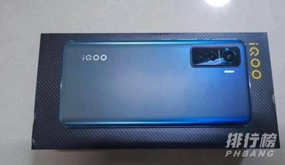一加8t和iqoo5哪个更值得购买_一加8t和iqoo5哪个好