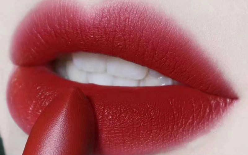 秋冬显白口红色号推荐2020_冬天显白的口红色号