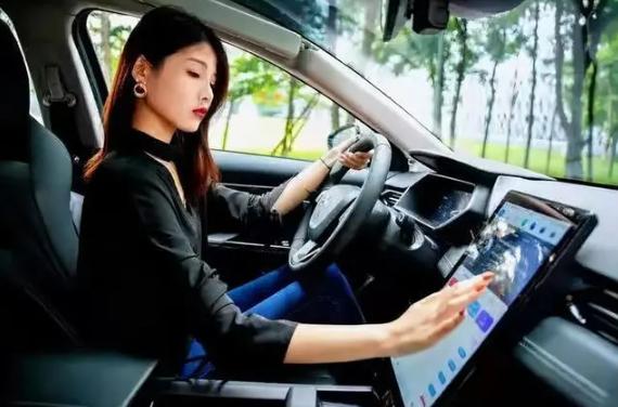 华为车载智慧屏参数_华为车载智慧屏怎么样