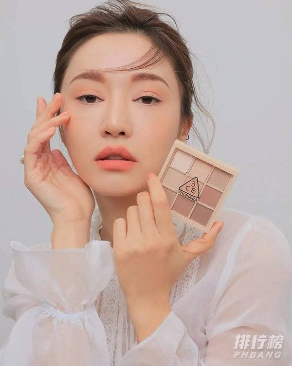 韩国眼影哪个牌子好用不贵_好用的眼影盘牌子推荐