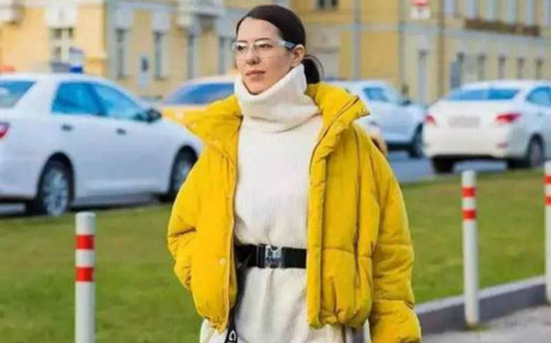 羽绒服穿搭女2020_2020年冬季最新穿搭图片