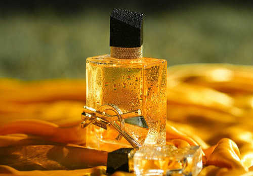 ysl自由之水香水香评_圣罗兰自由之水寓意