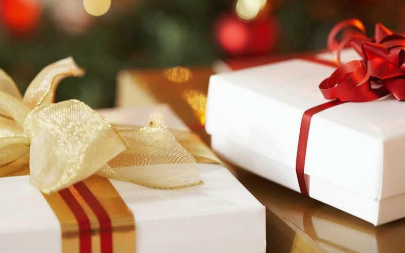 送女朋友新年礼物排行榜2021_送女朋友什么新年礼物比较好
