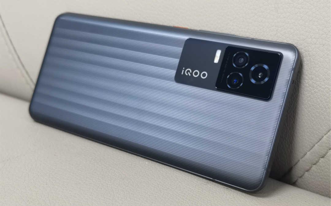 iqoo7和小米11哪个性价比高_小米11和iqoo7谁更值得购买