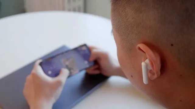 华为freebuds4i和苹果耳机哪个好_华为freebuds4i和airpods哪个好