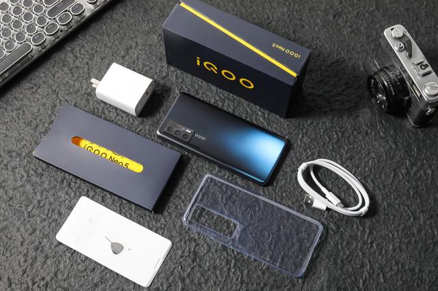 3000塊錢左右的手機買什麽好_3000元左右預算買什麽手機合適