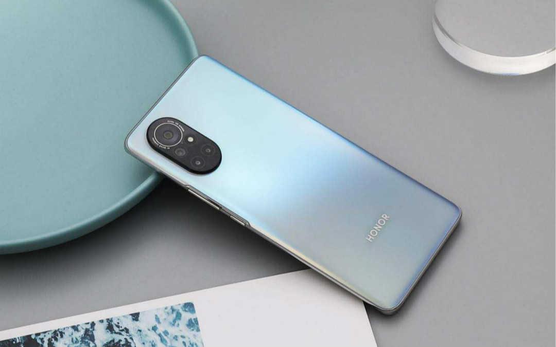 华为nova8和荣耀v40轻奢版手机壳通用吗?