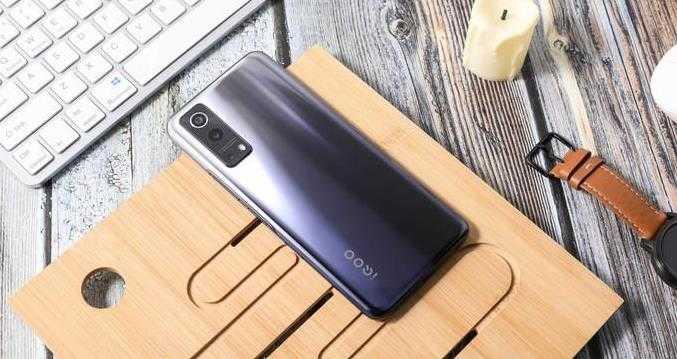 iqoo z3值得买吗_iqoo z3手机怎么样
