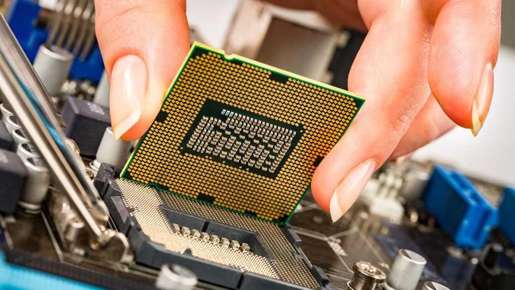 i7 11800H和r7 5800h哪个好_i7 11800H和r7 5800h游戏性能测试