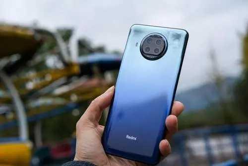 2021最新2000左右手机排行_2000左右手机哪款性价比高