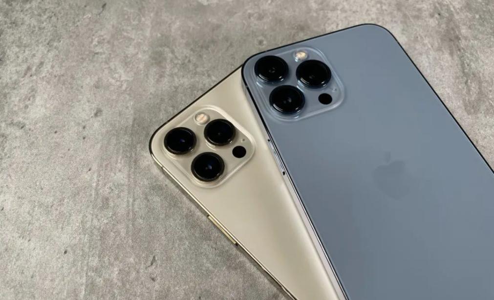 iphone13pro和12pro手机壳通用吗_外观对比